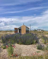 100 Rubber House Dungeness Pobble In By Guy Hollaway Architects Homeli