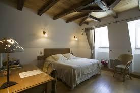 chambre d hote salers séjour 2 nuits pour 2 à la chambre de l asphodèle à salers 15