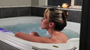 Jetted Bathtubs For Two by Jacuzzi Introduction To Jacuzzi Tubs Youtube