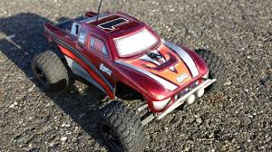 Team Losi 1/36 Scale Micro Desert Truck RC Truck In HD Tearing It Up ...