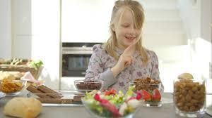 wie ernährungsumstellung bei neurodermitis hilft