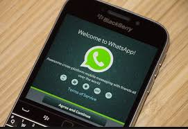 WhatsApp Peak Into Future Blackberry Support is Ended