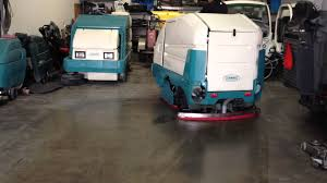 Commercial Floor Scrubbers Australia by Tennant 7300 Rider Floor Scrubber Demo Youtube
