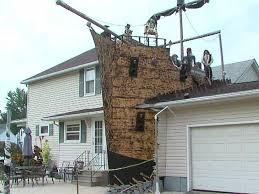 Pirate ship Halloween decorations thrill neighbors on Ta a