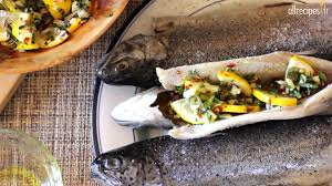 comment cuisiner la truite recette pour faire des truites farcies au barbecue