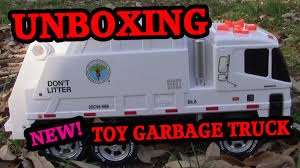 New York Sanitation Unboxing Toy Garbage Truck Video - YouTube Toy Trash Trucks In Action Garbage Truck With Side Arm Best Kids Playing Pictures Dickie Toys Walmartcom Videos For Children Unboxing Tonka Mighty Dumpster Worlds Recycling Waste Youtube Amazoncom 12air Pump Vehicle For Green Kawo Jack Bruder Video Gym Pickup Front Loader