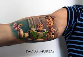 Currently Living And Working In The Island Of Sardinia Italy Paolo Murtas Has Tattooed A Beautiful Assortment Birds Movie Scenes On His Clients