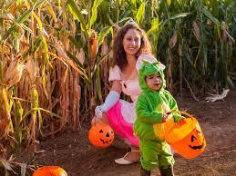Pumpkin Picking Nj Near Staten Island by Best Corn Mazes Ny Has To Offer Including Amazing Maize Maze