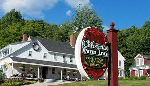 Christmas Tree Inn Pigeon Forge Tn by Inn At Christmas Place A Year Round Christmas Hotel Simplemost