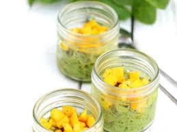 cuisiner la courgette jaune verrine de tartare de courgette jaune et le riz vert recette sur