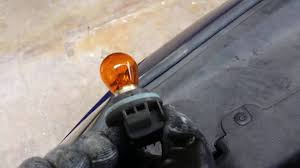 2013 hyundai accent turn light bulb replacement