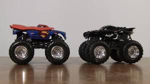 100 Monster Truck Batman Hot Wheels Jam Superman Unboxing YouTube