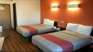Machine Shed Davenport Ia Hours by Motel 6 Davenport Ia Hotel In Davenport Ia 47 Motel6 Com