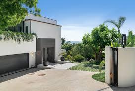100 Beach House Malibu For Sale Michael Landons Wife Lists Dreamy 18 Million