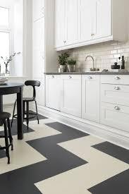 Snap Lock Flooring Kitchen by Best 25 Linoleum Flooring Ideas On Pinterest Vinyl Flooring
