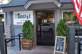 Moonshine Patio Bar And Grill by 572 Social Kitchen And Lounge In Big Bear U2013 Destination Big Bear