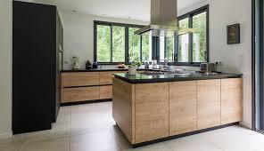 cuisine bois et cuisine de bois et d anthracite macoretz agencement