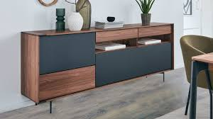 interliving esszimmer serie 5602 sideboard colorado nussbaum anthrazitfarbener lack zwei klappen drei schubladen