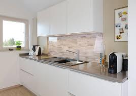 weiße küche mit grauer arbeitsplatte graue küche