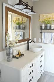 Modern Master Bathroom Vanities by Best 25 Farmhouse Bathroom Mirrors Ideas On Pinterest Farmhouse