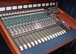 Yamaha RM1608 Mixer With 16 Mic Or Line Channels 8 Busses Monitor Returns 2 Sends Control Room And Studio Monitoring Logic Modes Available