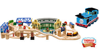 thomas and friends roundhouse wooden train set lc99544