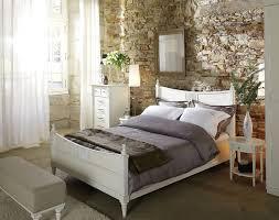 lit de chambre chambre lit photo 2 10 un mur de briques à l ancienne une