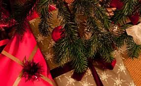 Which Christmas Tree Smells The Best Uk by Could You Be Allergic To Your Christmas Tree Pines Are Haven For