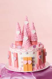Cakes Decorated With Candy by 25 Best Castle Cakes Ideas On Pinterest Princess Castle Cakes
