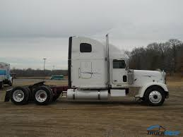100 White Freightliner Trucks 2001 FLD13264TCLASSIC XL For Sale In Forrest City AR