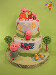 peppa pig cake decorations 111 best peppa pig cakes images on peppa pig cakes