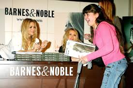 s of Mary Kate and Ashley Olsen at the Book Launch For