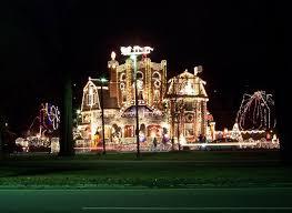huge outdoor christmas light displays the best tricks to hang up