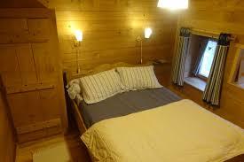 chambre d hote chalet chambres d hôtes style chalet dans une ferme rénovée du jura région