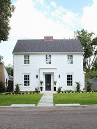 Pictures Small Colonial House by Best 25 Modern Colonial Ideas On Garage