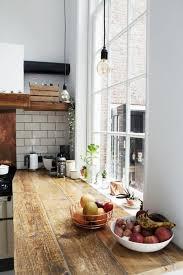 peinturer un comptoir de cuisine le carrelage métro blanc fait fureur dans la cuisine archzine fr