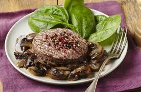 comment cuisiner un steak haché steak haché de boeuf aux trois poivres et aux chignons