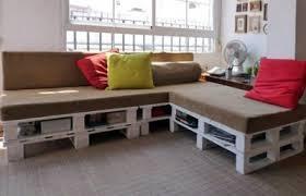 palette canapé construire un canapé de palettes en seulement 3 é