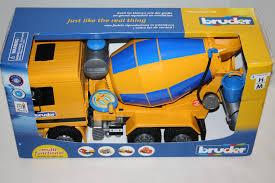 BRUDER CEMENT MIXER Truck =/- S/e Actros Cement Mixer Truck 18
