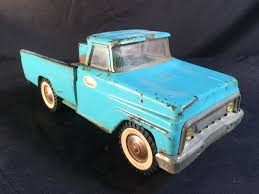 TONKA TOYS VINTAGE METAL TOY PICK UP TRUCK, PAT. 2916851, 15'' LONG
