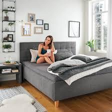 das schlafzimmer richtig einrichten leiner