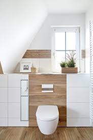 erdtöne in kombination mit holzoptik modern badezimmer