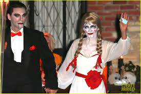 Busta Rhymes Halloween by Courteney Cox Dolls Up As U0027annabelle U0027 For Halloween With Fiance