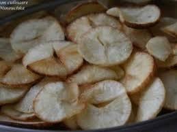 cuisiner le manioc chips de manioc recette ptitchef
