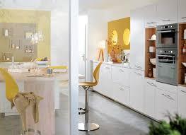 cuisine bois blanchi cuisine moderne bois blanc avec îlot central ambiance douceur