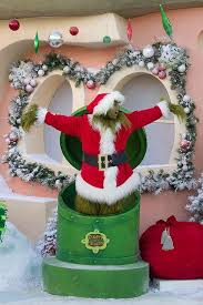 Grinch Outdoor Christmas Decorations by 140 Best Whoville Images On Pinterest Whoville Christmas
