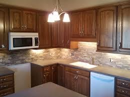 Kitchen Backsplash Pictures With Oak Cabinets by Best 10 Light Kitchen Cabinets Ideas On Pinterest Kitchen In
