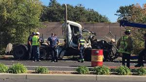 100 Truck Accident Today 1 Dead After Semitruck Crashes Off I680 In San Ramon Abc7newscom