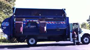 Recycling Garbage Truck - Side Lifter - YouTube