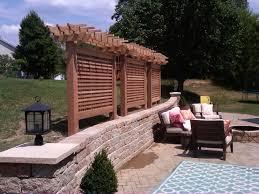 Cedar privacy screen Modern Patio St Louis by GEOWEN